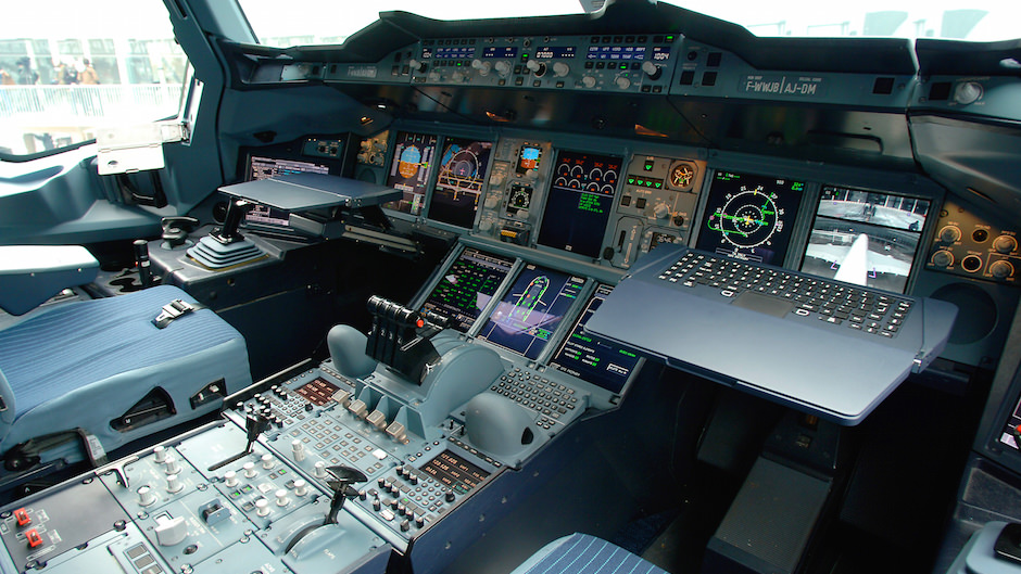 Super Jumbo A380 Flight Deck