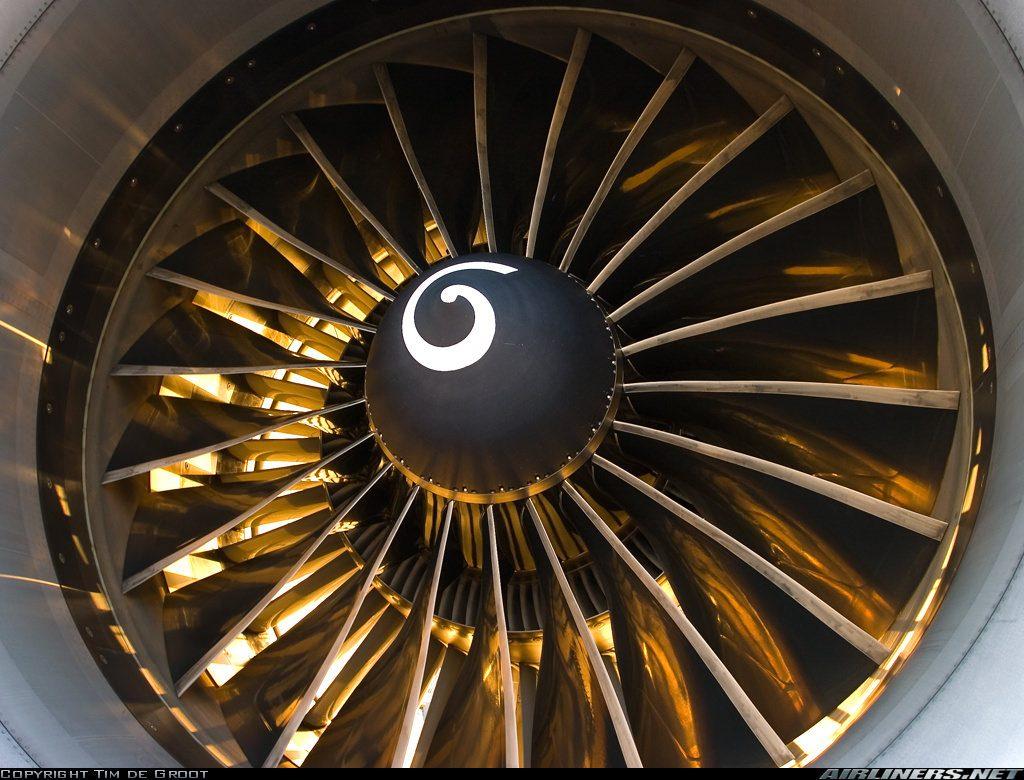 KLM 777 GE-90 Turbofan